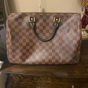 35 speedy Louis Vuitton handbag